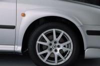 Nástavky blatníků široké - černé Škoda Octavia rok výroby 1998-2001